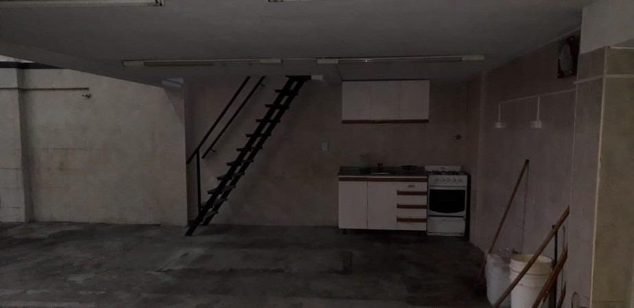 galpon en alquiler 158 m2 con oficinas