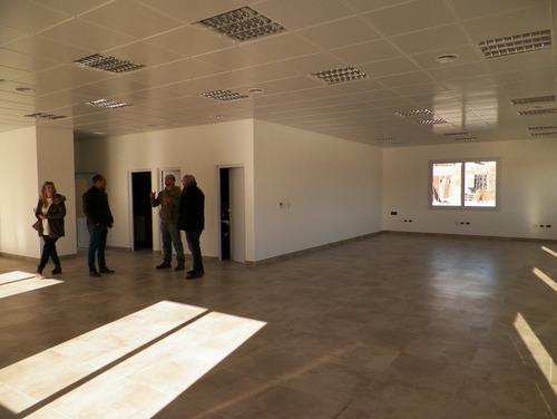 galpón en alquiler a estrenar de 1800 m2 + oficinas - pibera