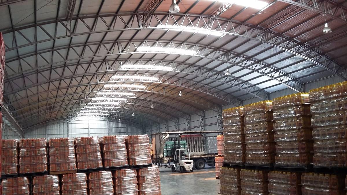 galpón en alquiler de 10000 m2 totales con 6000 m2 cubiertos