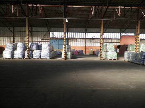 galpon en alquiler de 2400 m2 - pitq