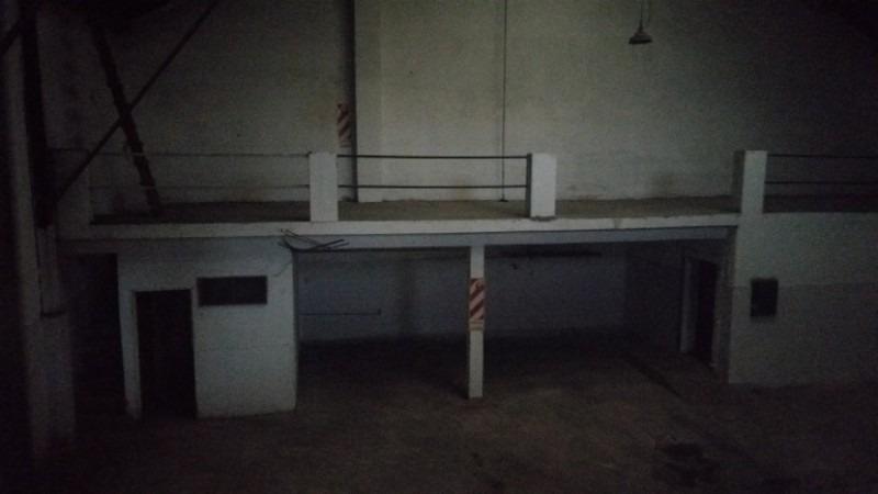 galpón en alquiler de 297 m2 en avellaneda con trifasica