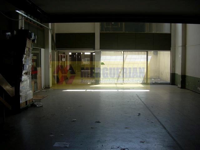 galpon en alquiler en el centro / 850 m2 / libertad 200