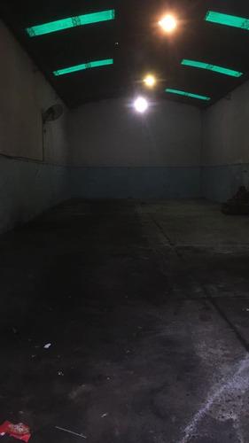 galpón en alquiler- tucumán al 1200 esq. larroque - banfield