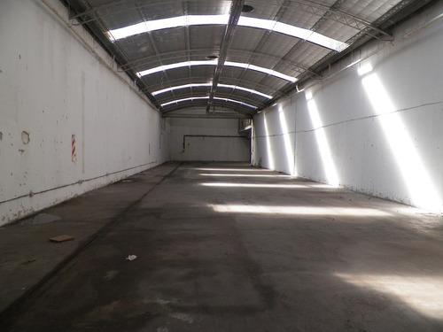 galpón en forma de  l  de 1600 m2 cubiertos totales -sarandi