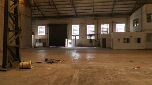 galpon en venta de 6.400 m2 cubiertos - wilde