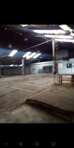 galpón industrial independencia, 700 mt2 oficinas, baños