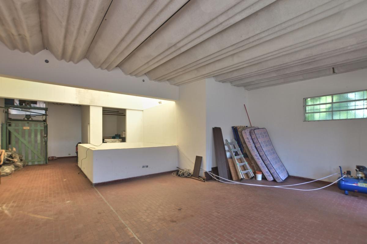 galpón · local comercial con vivienda de 2 ambientes · pillado al 900 · flores
