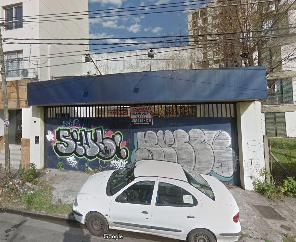 galpón / local comercial en 2 plantas 482 m² con estacionamiento y patio - villa sarmiento