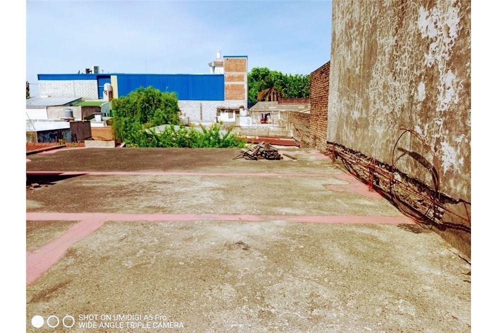 galpon lote propio patio y casa a reciclar