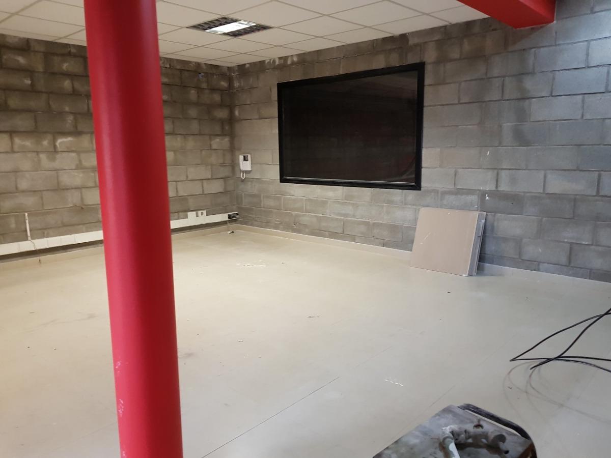 galpon oficinas 450 m2