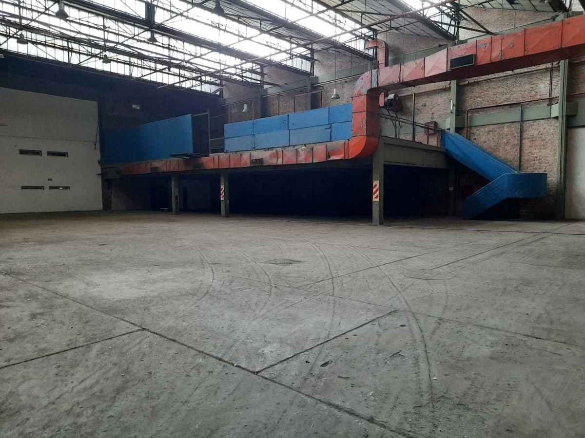 galpon/deposito - de 1600 m2 - lanus este -