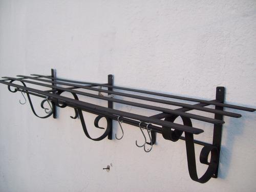 ganchera  repisa de hierro 1mt x 25cm  producto nuevo