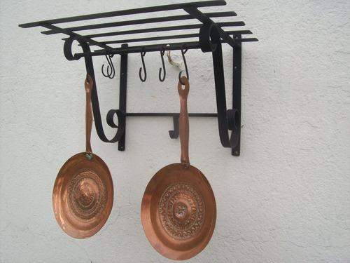 ganchera  repisa de hierro 40cm x 30cm  producto nuevo