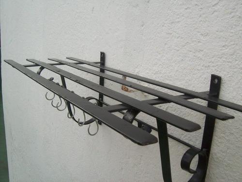 ganchera  repisa de hierro 60cm x 30cm  producto nuevo