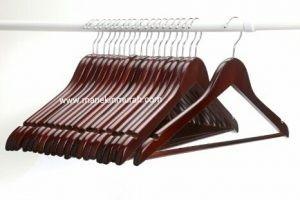 ganchos  madera  para terno importado por docena