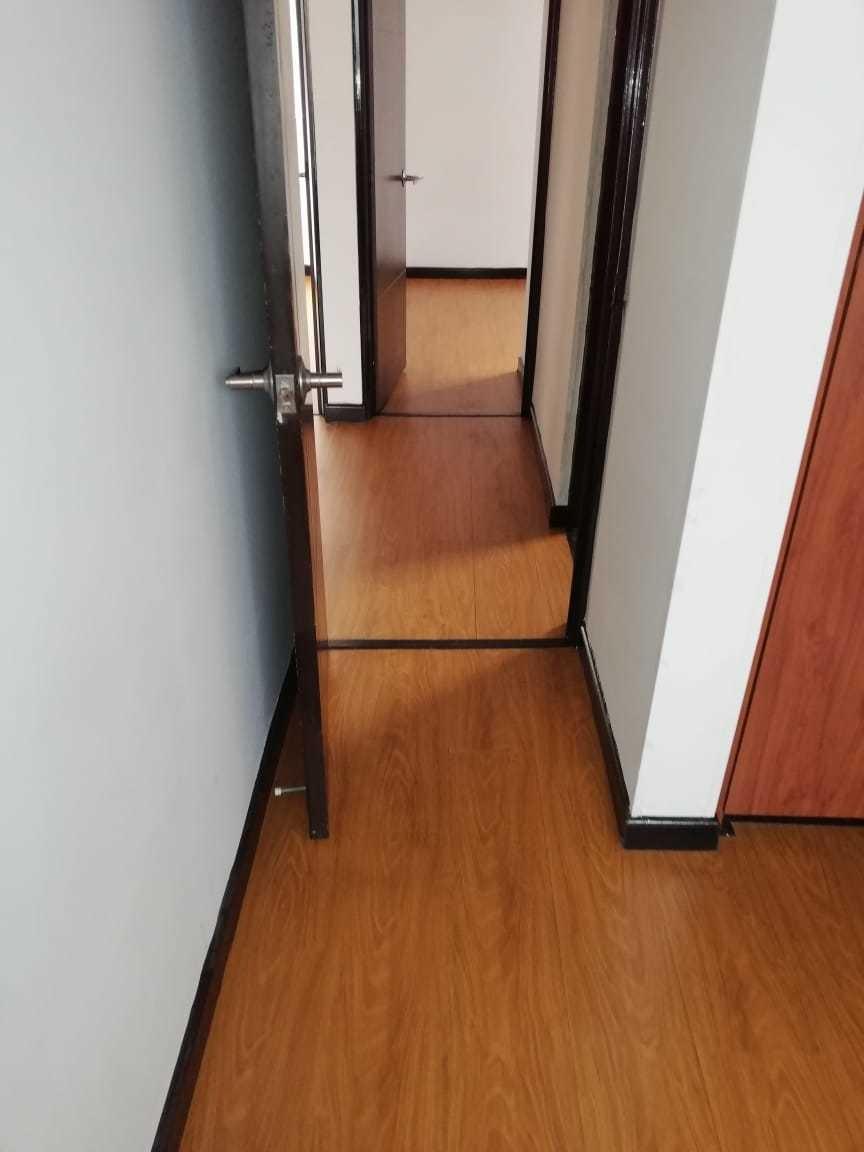 ganga apto 3 habitaciones ,1 baño ,patio ,esquinero
