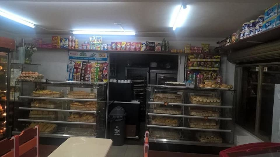 ganga-ganga venta de panadería cerca al portal del norte