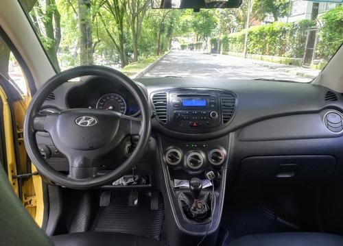 ganga taxi i10 modelo 2013 excelente estado, papeles al día.