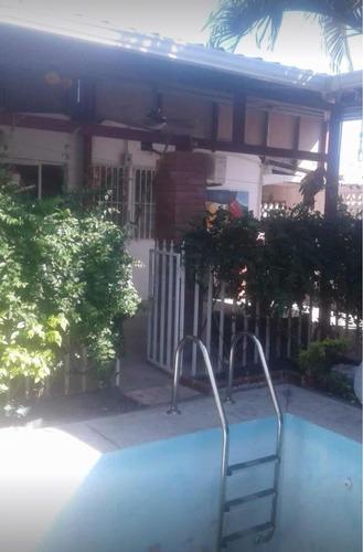 ganga! vendo bonita y amplia casa con piscina - la floresta