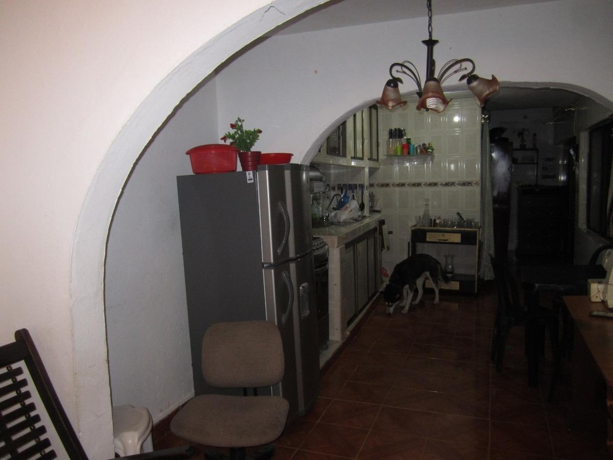 gangazo casa con rentabilidad de 4 apartamentos y 1 apartaes