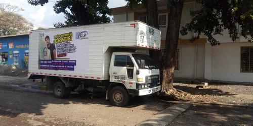 gangazo dahiatsu delta con furgon grande