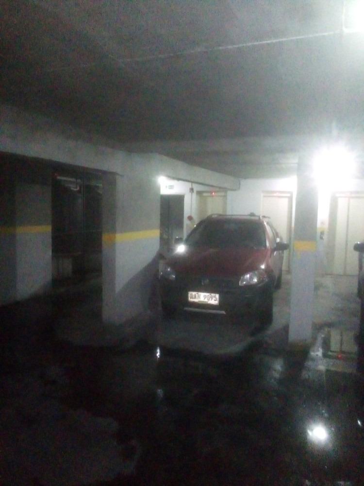 garage lugar fijo para vehículo mediano a chico