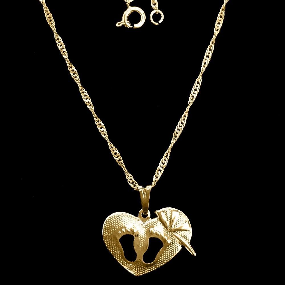 25a508e0fbd63 gargantilha de coração pés vazados e boné folheado ouro 18k. Carregando  zoom.