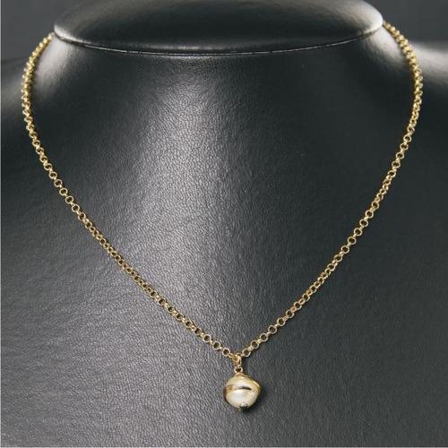 gargantilha dourada com pingente de pérola 65086c 08