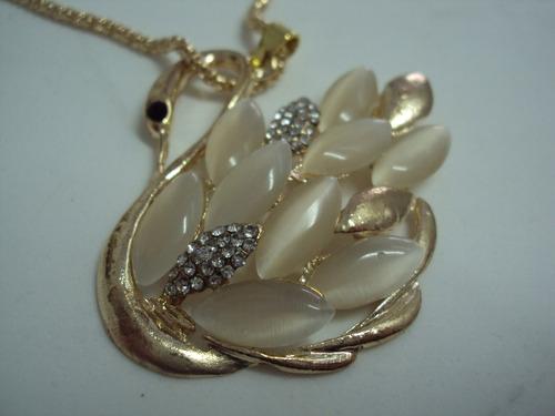 gargantilha semi-jóia pedra olho de gato - pingente de cisne