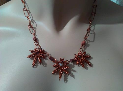 gargantilla y zarcillos color bronce rastafari, 28cm