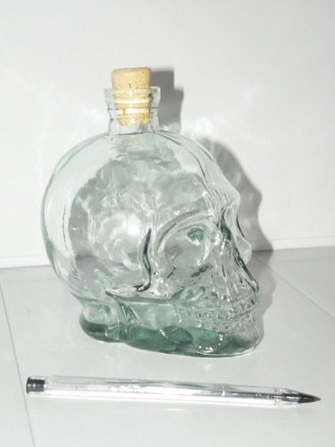 garrafa + 2 copos caveira - cranios ossos drinks taças vodka