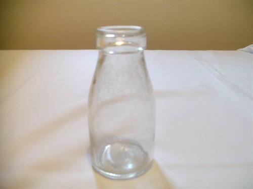 garrafa antiga  de leite (capacidade: 250 ml)