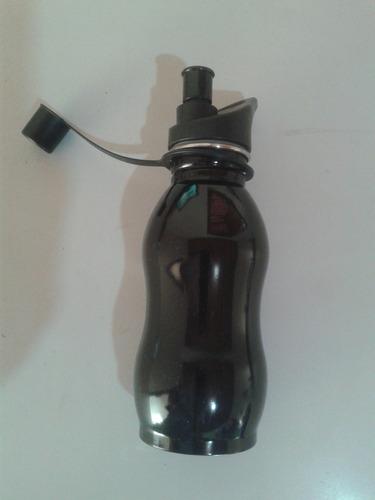 garrafa com água