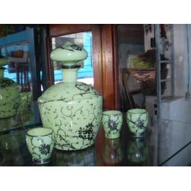 Garrafa De Opalina Verde Com 3 Copos Para Licor Antiga