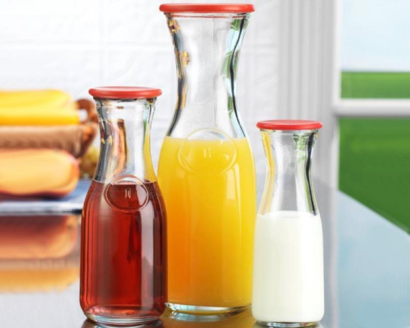 garrafa o jarra para leche o jugo de medio litro de vidrio