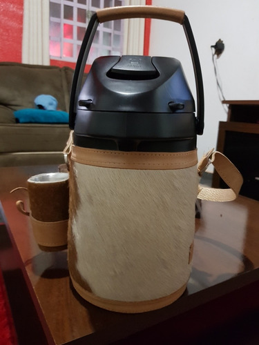 garrafa térmica 2,5l em couro, tereré e chimarrão