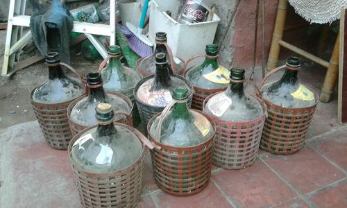 garrafas, botellones, chuicos de 5 litros muy antiguos