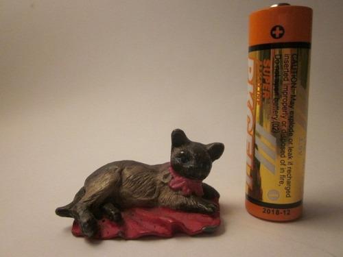 gatito de plomo miniatura