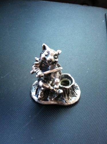 gatito violinista de pewter