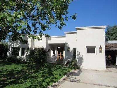 gb propiedades- hermosa casa en venta en roble joven.-