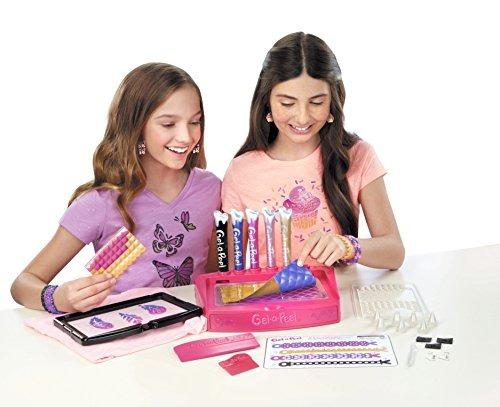gel-a-peel fashion maker girl toy