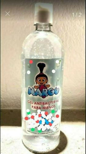 gel antibacterial para manos.