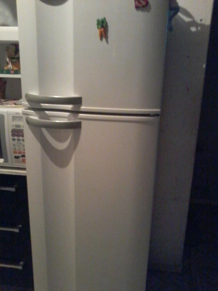 Resultado de imagem para geladeira semi nova