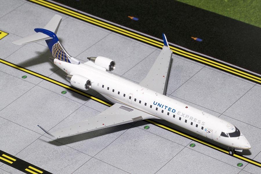 Gemini Jets - United Express Bombardier Crj-700 1/200
