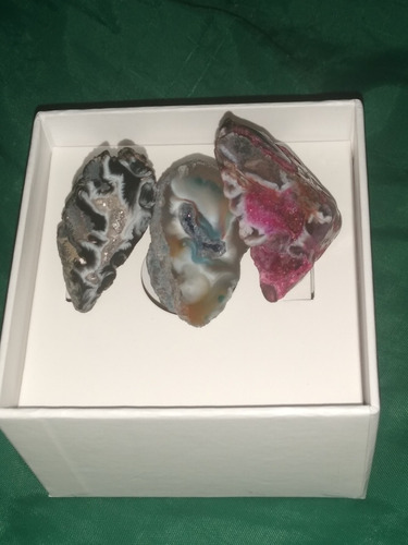 geodas agatas con cavidad de cuarzo rosa,negra,azul 3.5cm