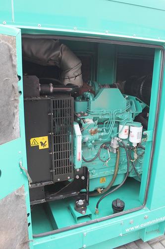 gerador de energia cummins 2012 c80 d6 100 kva carenado