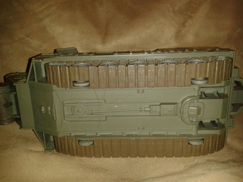 g.i. joe desert tank vehicle c-023-e / 2007 hasbro