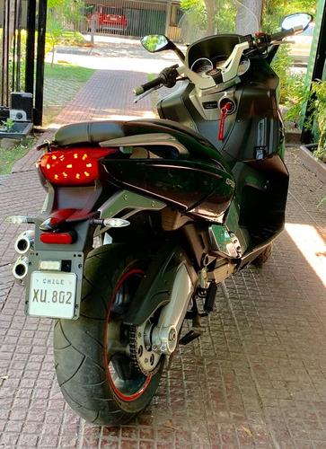 gilera gp 800 maxi scooter la mas potente del mercado  !!!!!