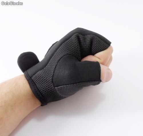 gim hombre guantes gimnasio