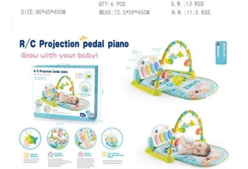 gimnasio para bebe. musical piano didactico. con proyector